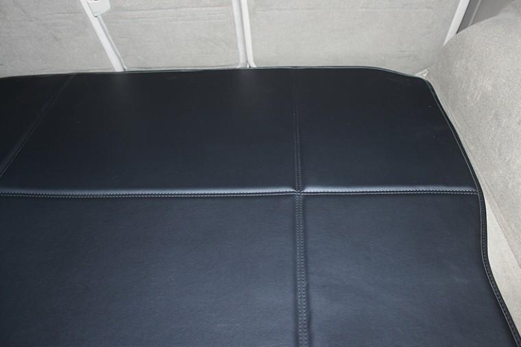 威利2011-2013年奥迪q7五座皮革后备箱垫 s 到店三色